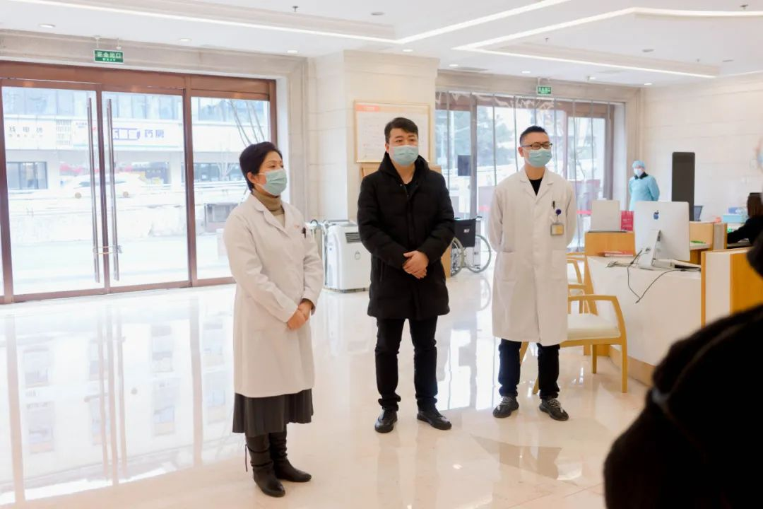 """【逆风前行】成都玛丽亚妇产医院""""驰援郫县""""扩大核酸采样工作队出征"""